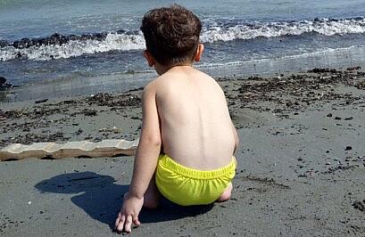 کودک و شوق دریا